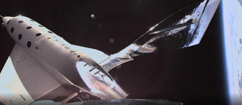 Космический туризм: ракетоплан Virgin Galactic успешно долетел до границы космоса