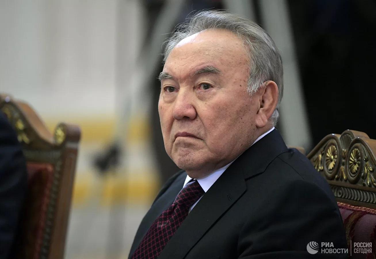 Назарбаев рассказал, как Казахстан уговаривали сохранить атомное оружие