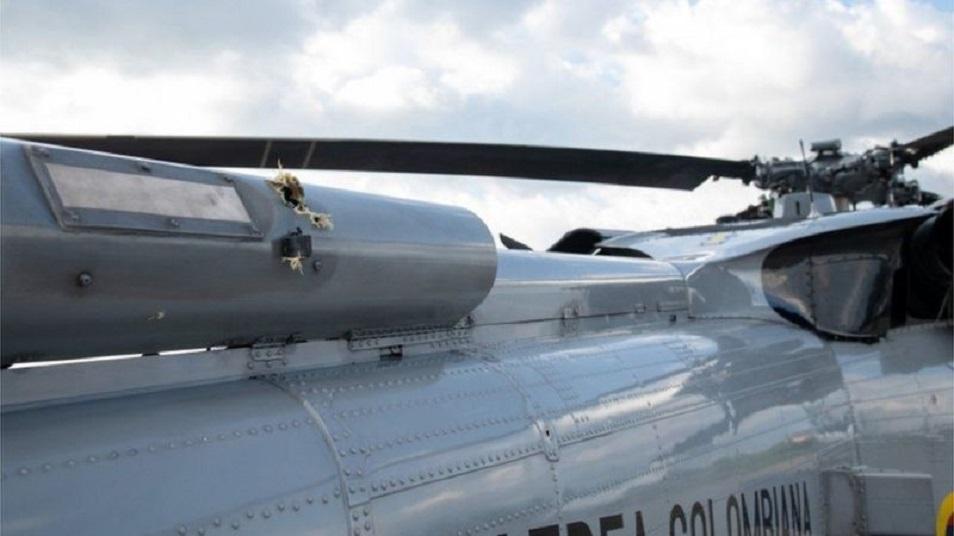 Вертолет с президентом Колумбии попал под пулеметный обстрел