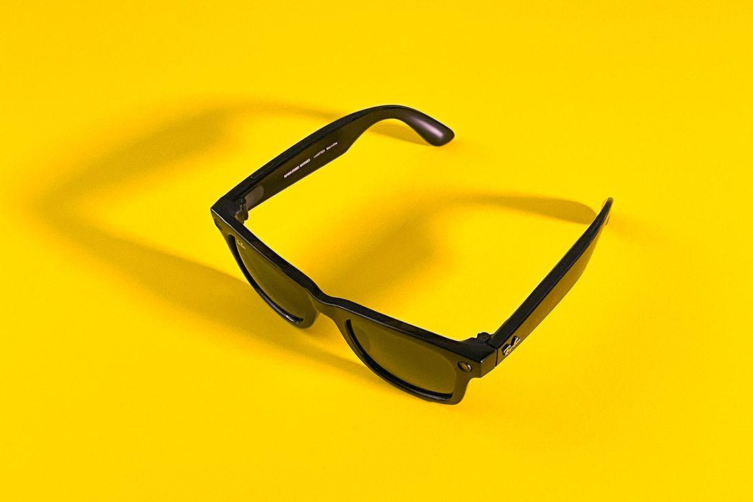"""Facebook представил """"умные"""" очки для видео и фотосъемок"""