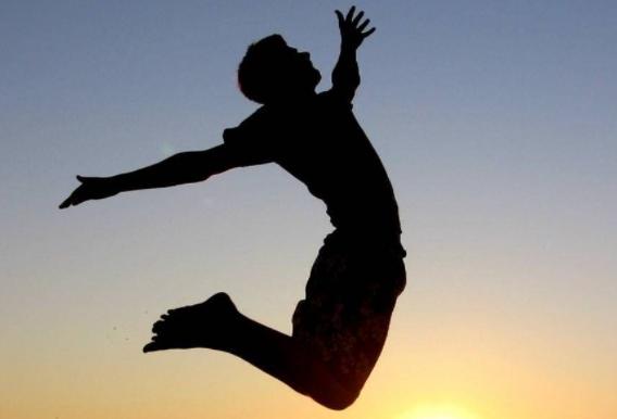 Дорожный гимнаст не унимается в Алматы