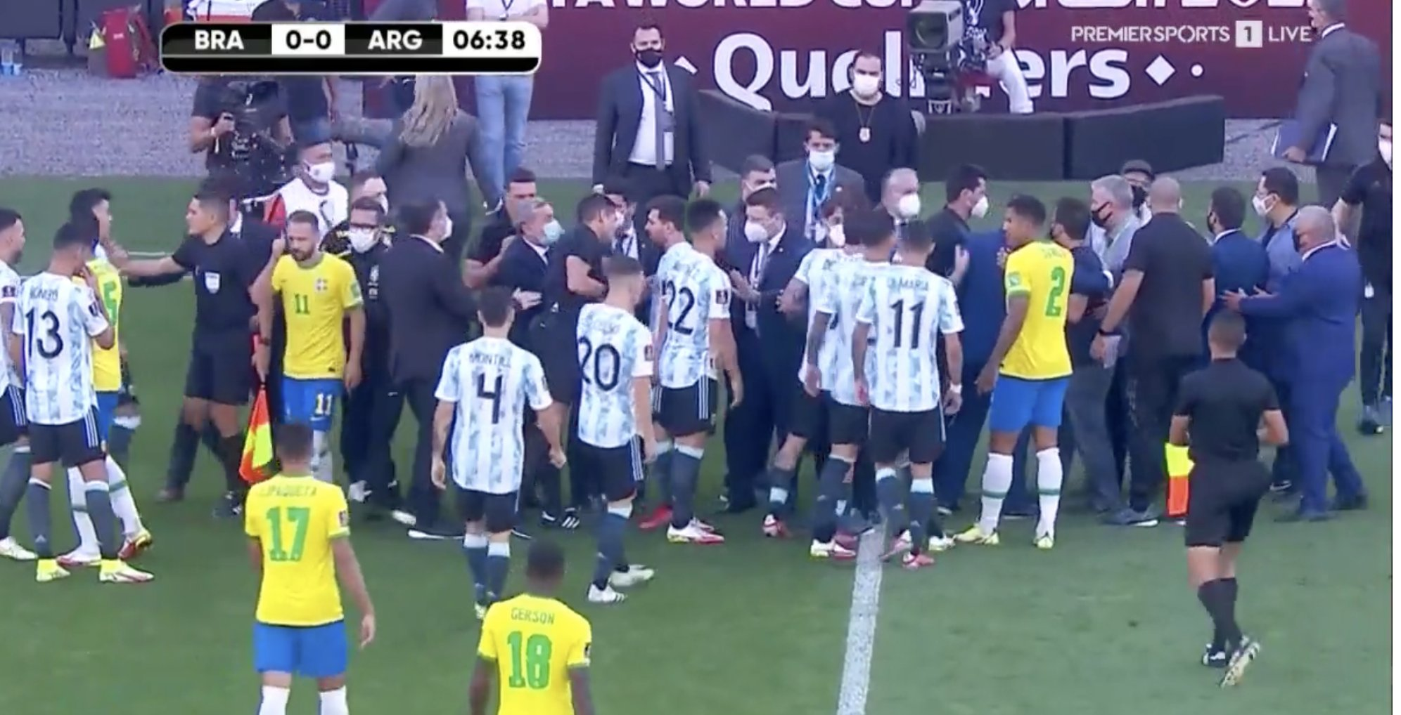 Начался и почти сразу закончился матч отбора на ЧМ-2022 между Бразилией и Аргентиной