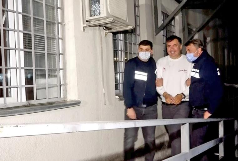 Саакашвили – в грузинской тюрьме. Каково ему там?
