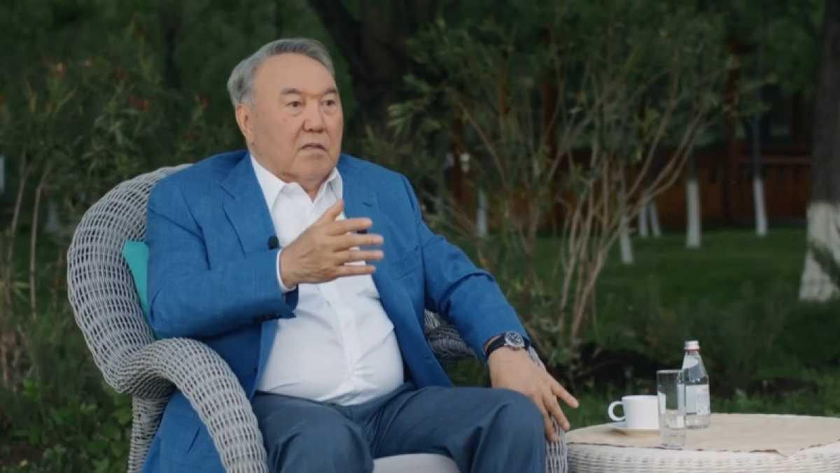 Кто из президентов первым узнал о решении Назарбаева уйти в отставку