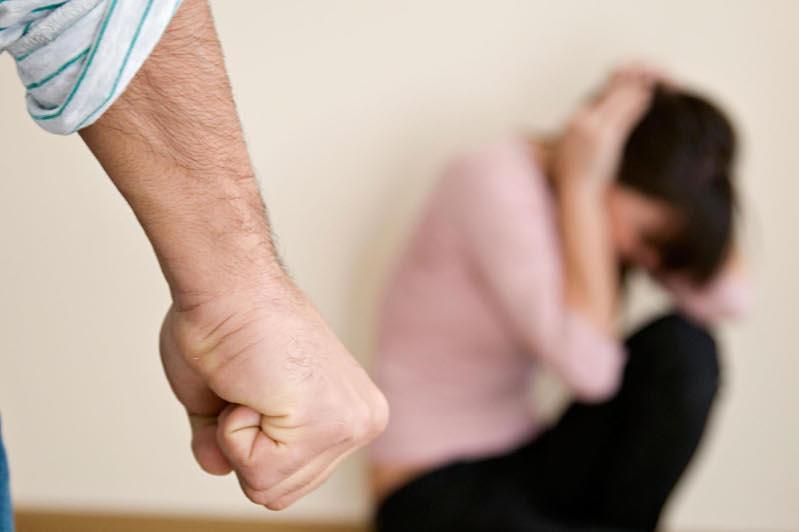Семейно-бытовое насилие: примирение сторон могут исключить
