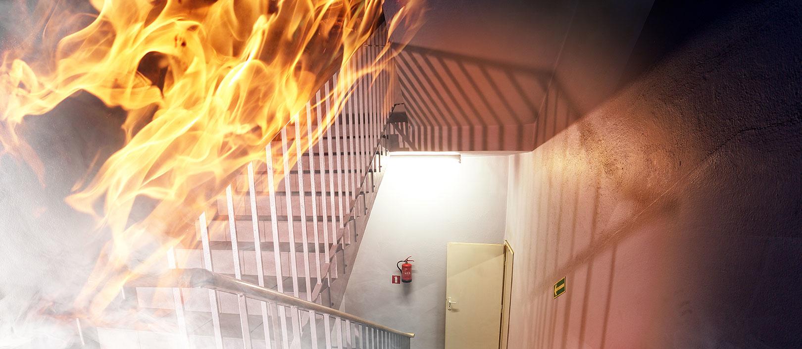 Женщину с малышом спасли из горящего дома в Алматы