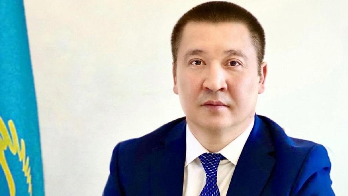 Аким Павлодара отбивается от желающих получить жилье