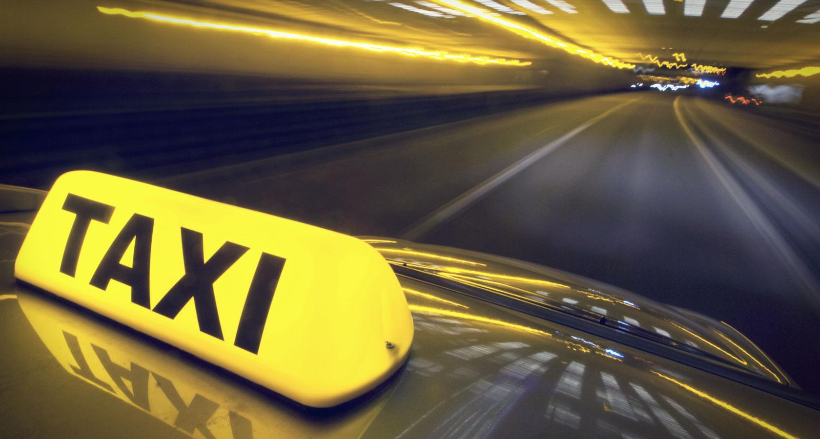 Казахстанцы отмечают рост цен на такси, но цифры - вещь упрямая
