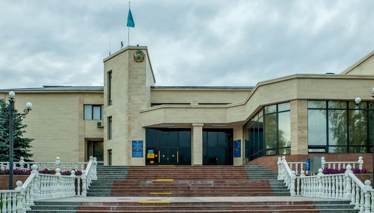 Начальницу из акимата Усть-Каменогорска, приехавшую пьяной к жителям, не стали увольнять