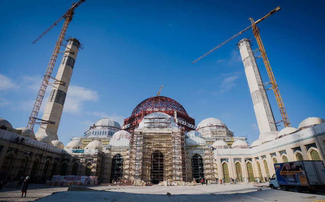 В МЧС опровергли информацию о пожаре на стройке мечети в Нур-Султане