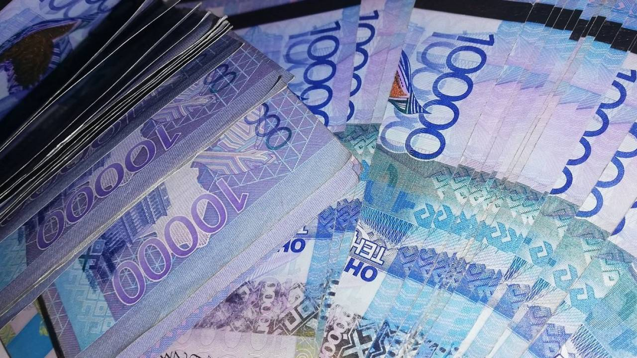 Костанайцам, сообщившим о коррупции, заплатили 2,5 млн тенге