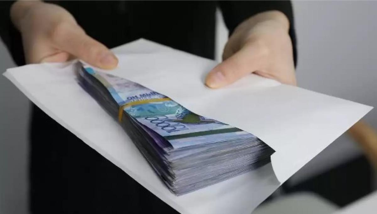 За трудоустройство в школе требовали взятку в миллион тенге