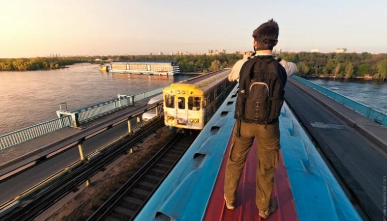 На крыше поезда хотел актюбинец уехать в Алматы