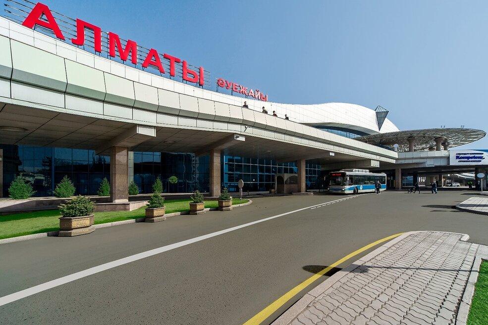 У аэропорта Алматы сменили президента