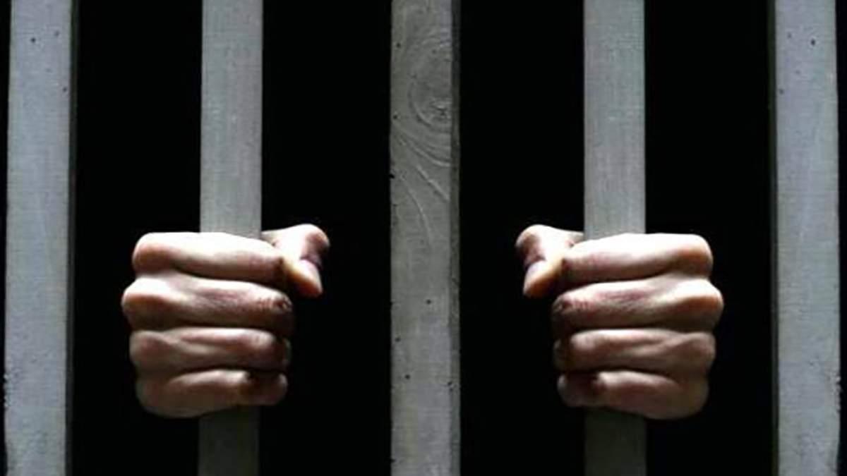 Заключенный вбил себе в живот гвозди и сам заплатит за лечение