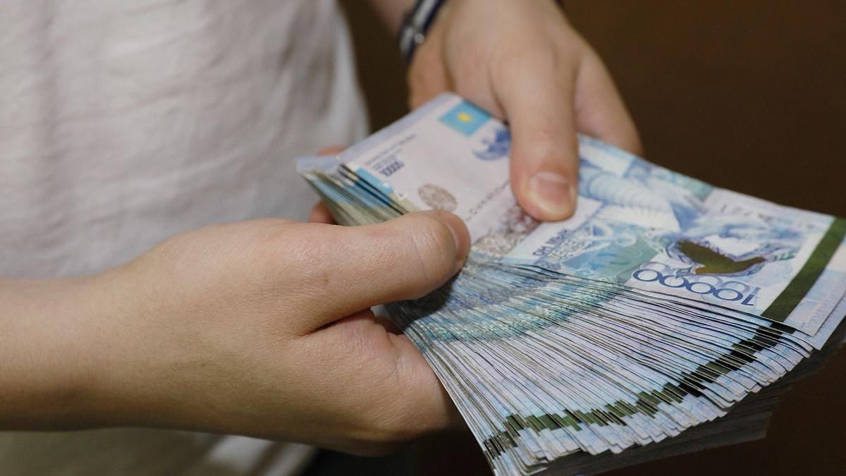 Парень напродавал на 12 млн тенге арендованные российские авто астанчанам
