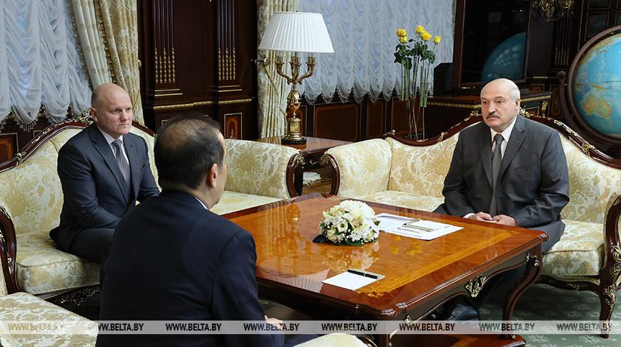 Лукашенко – Масимову: Вам очень повезло с президентом