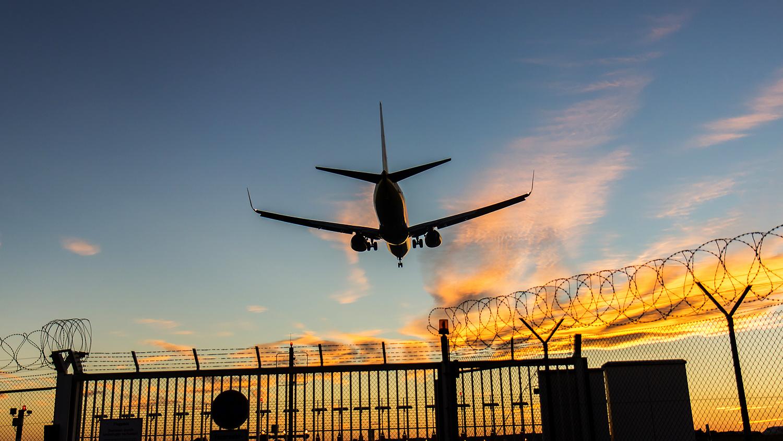 Посол Эстонии в Казахстане отличился в аэропорту Варшавы