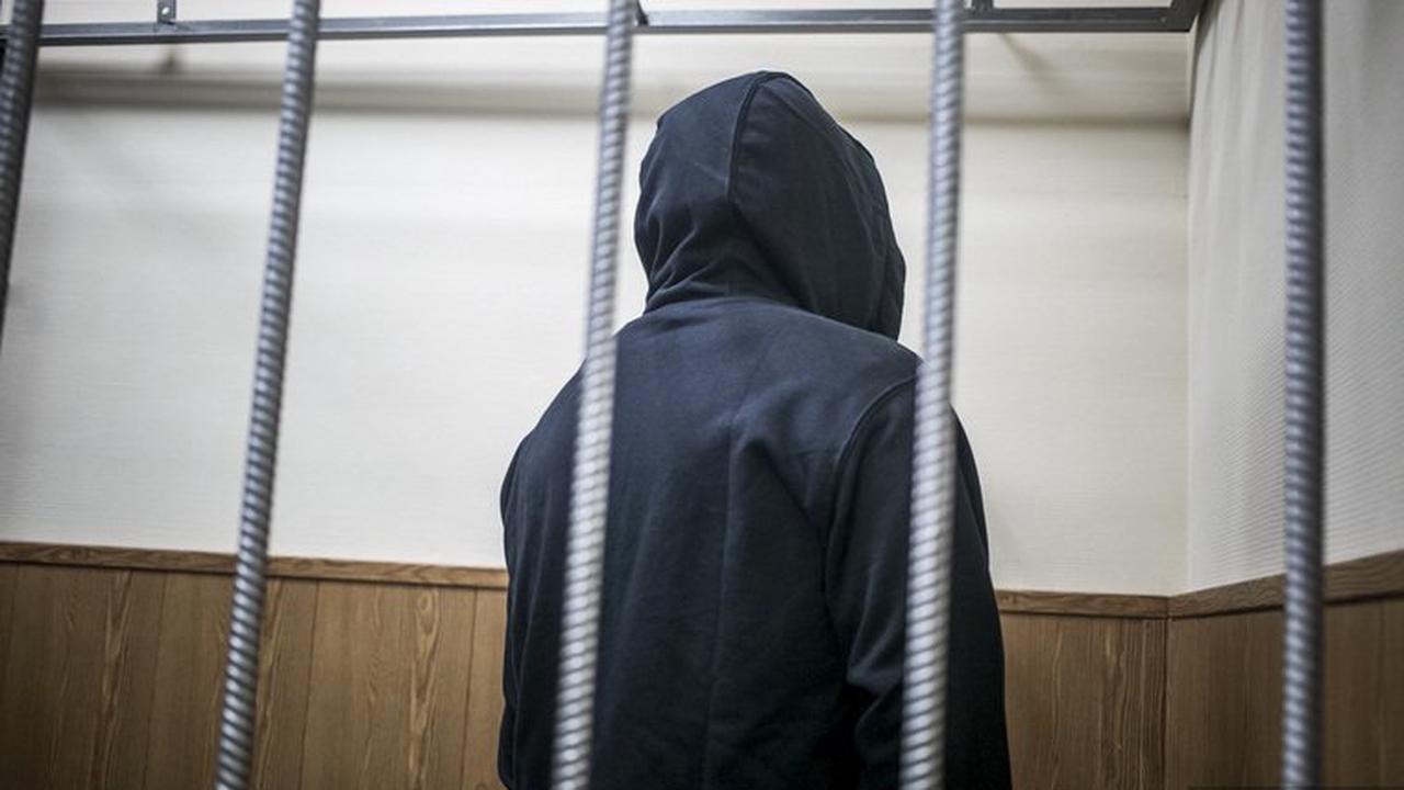 Криминальный авторитет предъявил иск полиции на 3 млн тенге