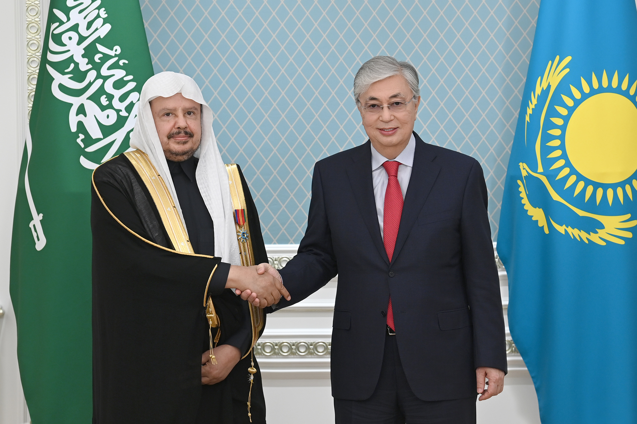 Токаев призвал саудовские компании активно участвовать в проектах в Казахстане