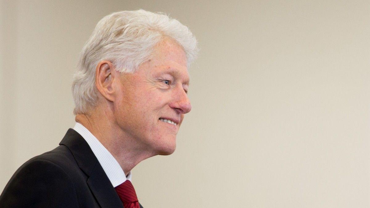 Названа причина госпитализации Билла Клинтона