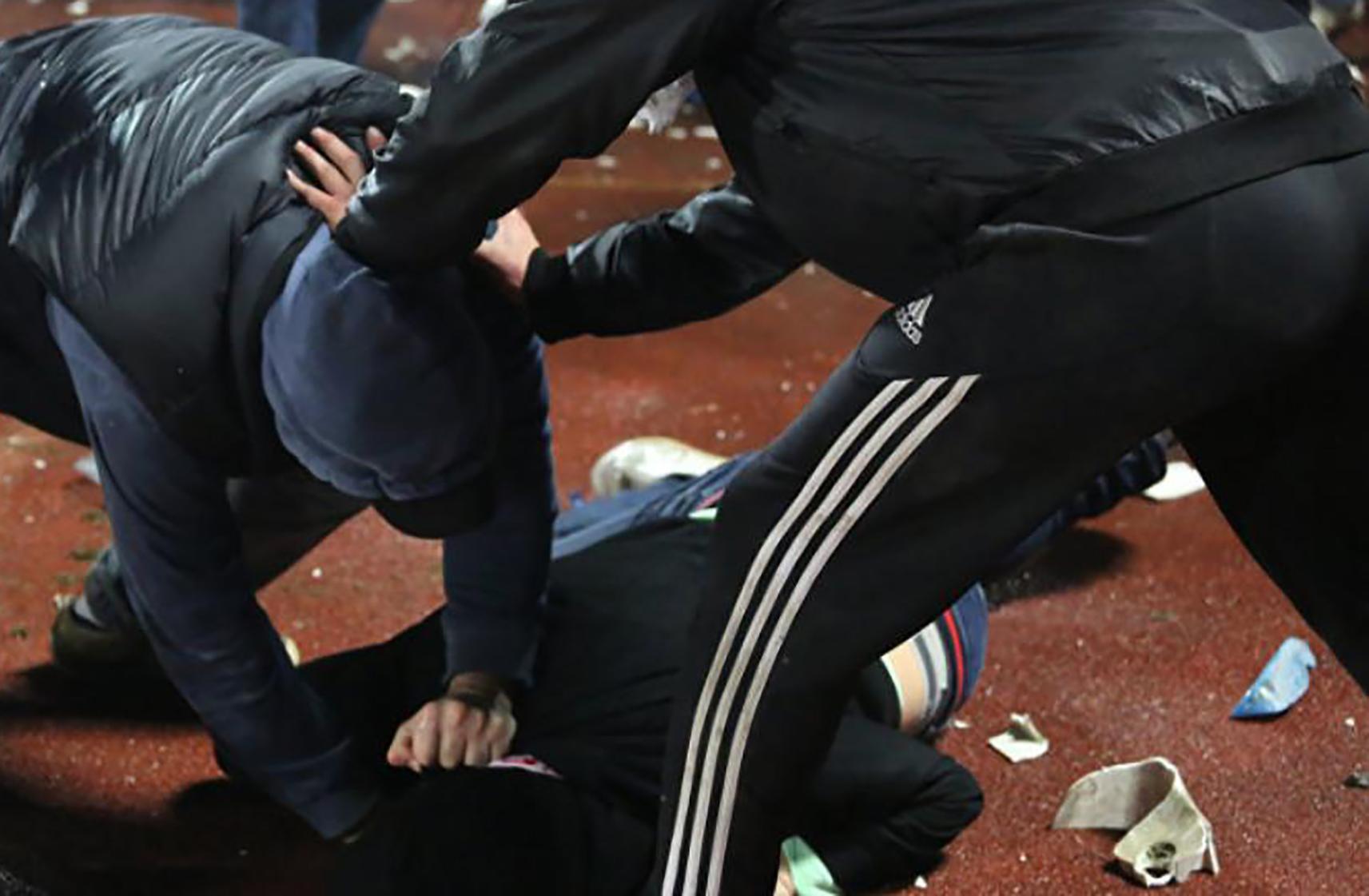 Около 200 мигрантов из Кыргызстана и Узбекистана устроили массовую драку в Москве