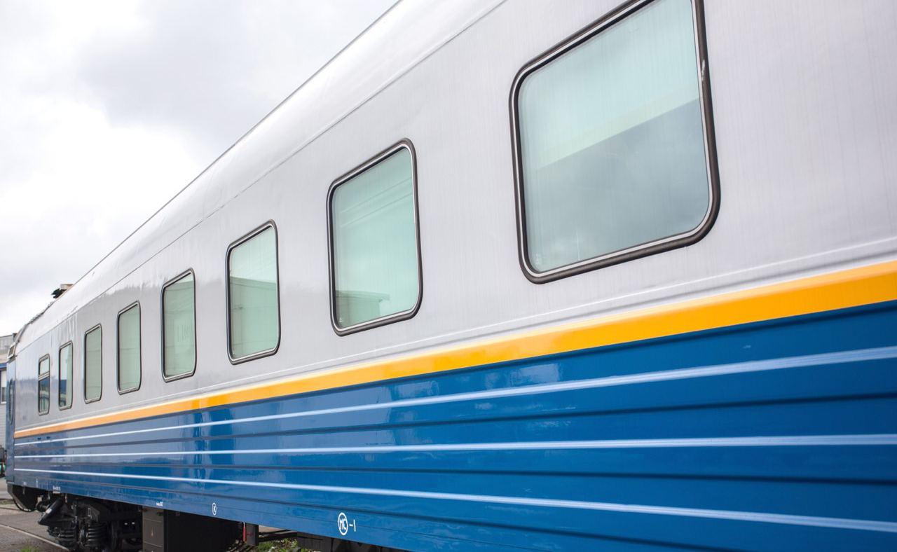 Стрела крана повредила пассажирский поезд Алматы-2 – Мангистау. Видео