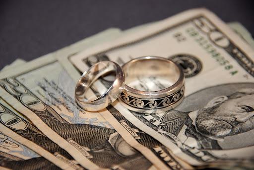 Не взимать НДС с ювелиров за покупку золота просят мажилисмены