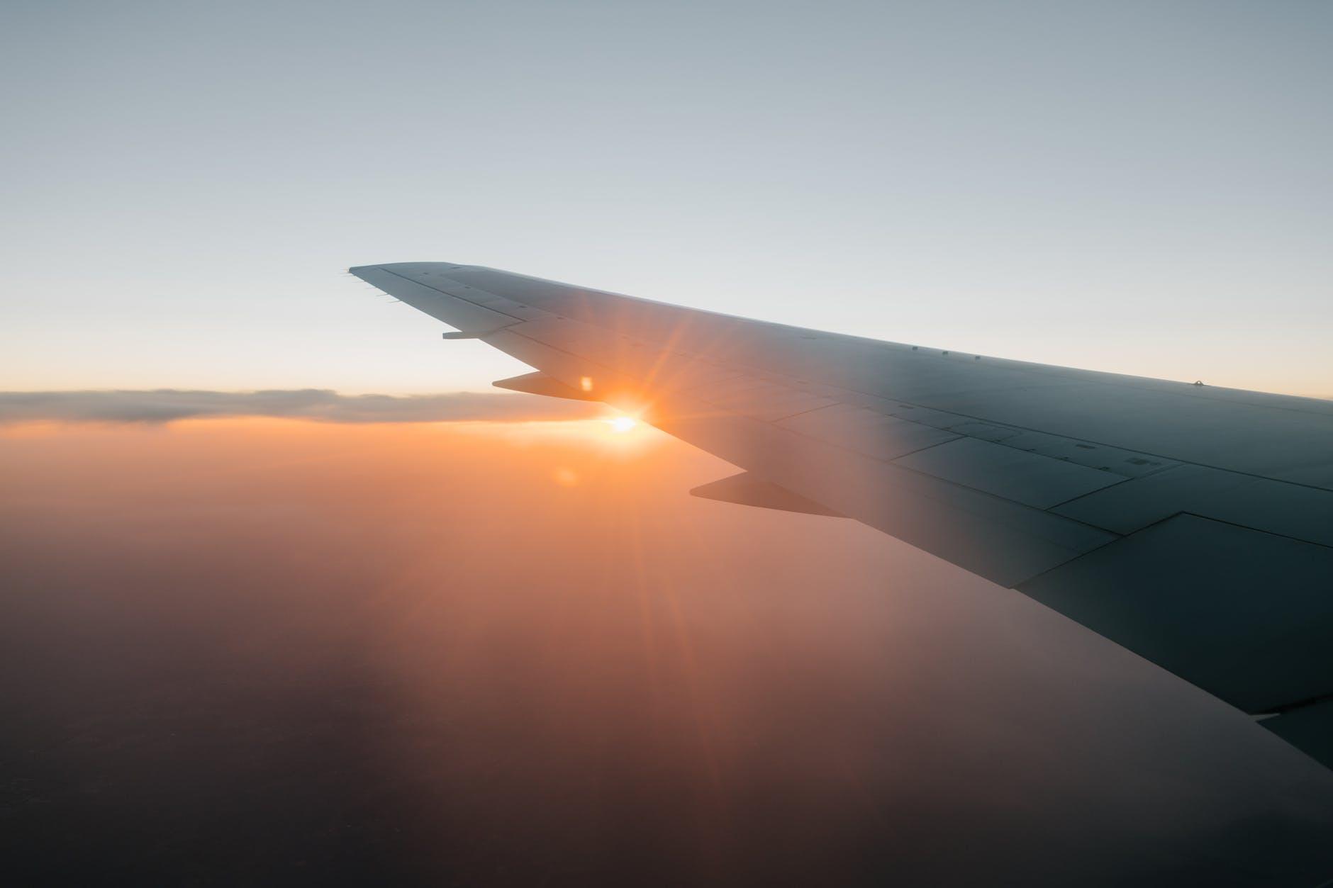 Казахстан возобновляет авиасообщение с Венгрией