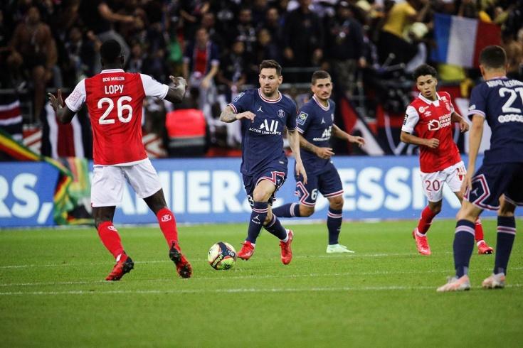 Как Месси сыграл в дебютном матче за ПСЖ