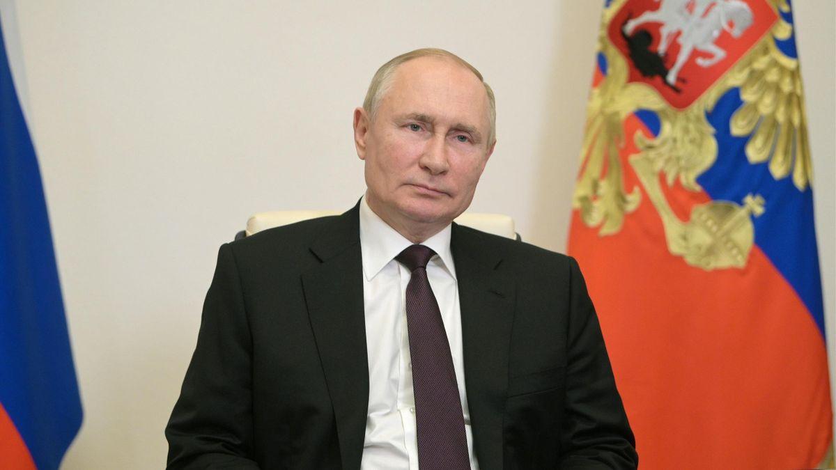 Путин рекомендовал странам СНГ не торопиться с признанием талибов