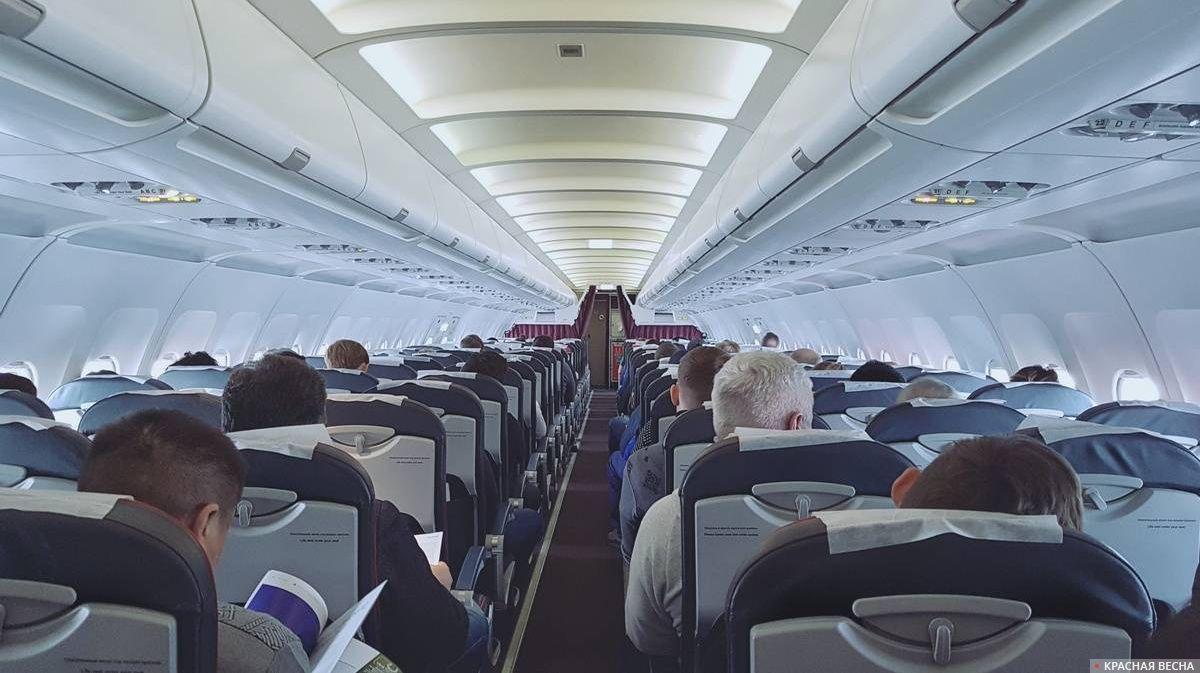 19-летний пассажир курил и матерился на борту самолета Алматы – Актобе