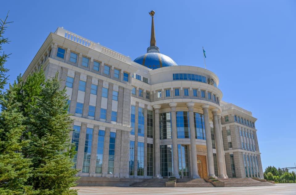 Токаев созвонился с акимом Акмолинской области
