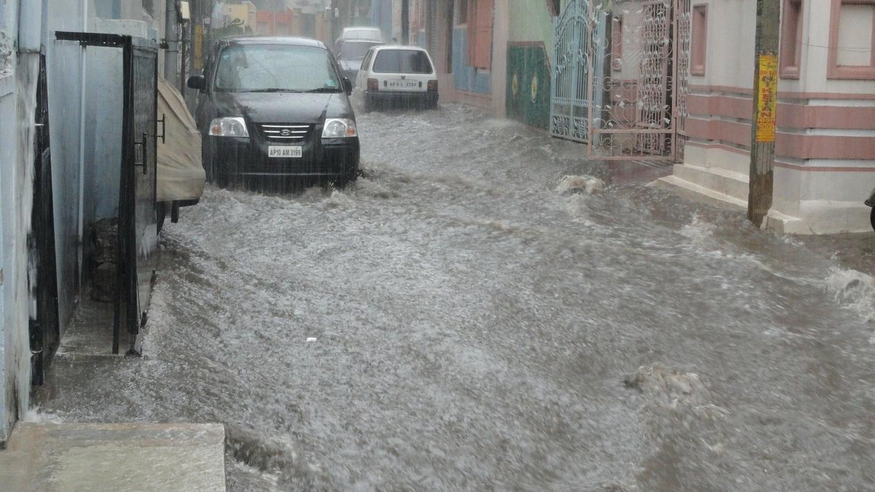 Наводнения в Европе и России. Как не купить машину-утопленницу