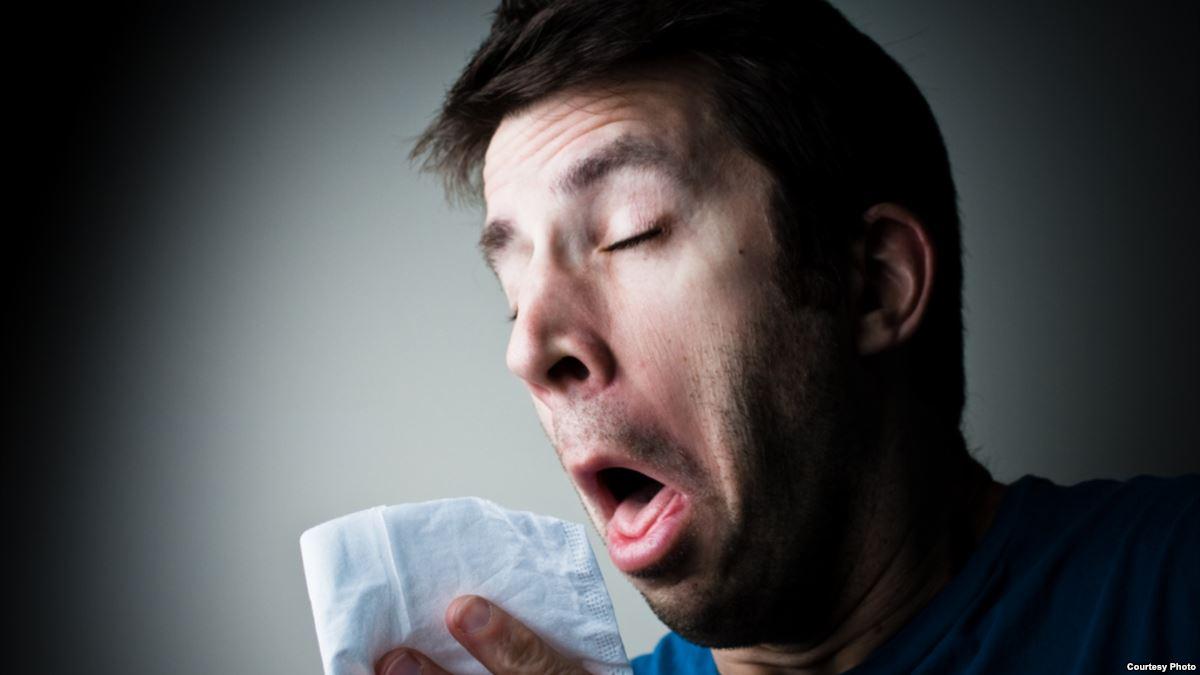 Назван общий симптом коронавируса у привитых людей