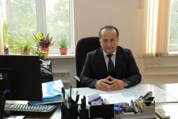 Известный юморист стал директором школы в Ташкенте