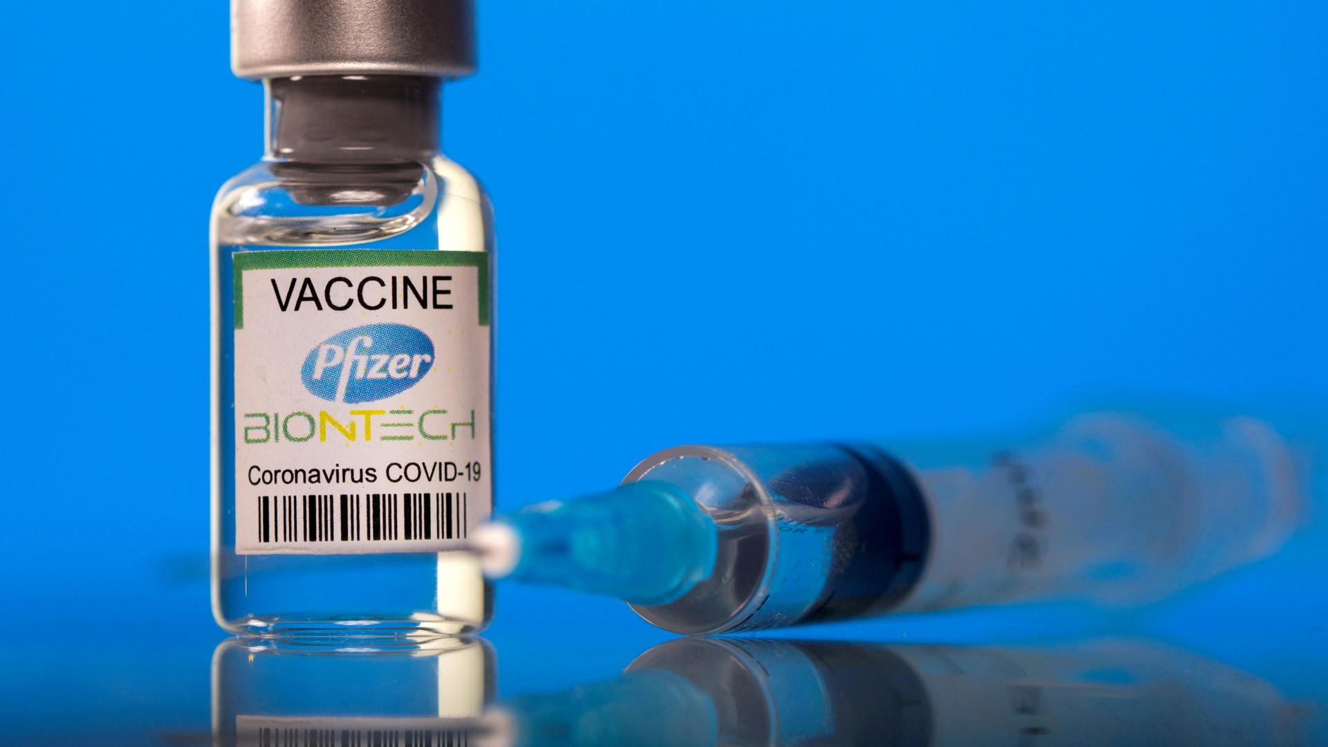 Казахстанцы не могут понять, какую именно вакцину против ковида привезут для детей