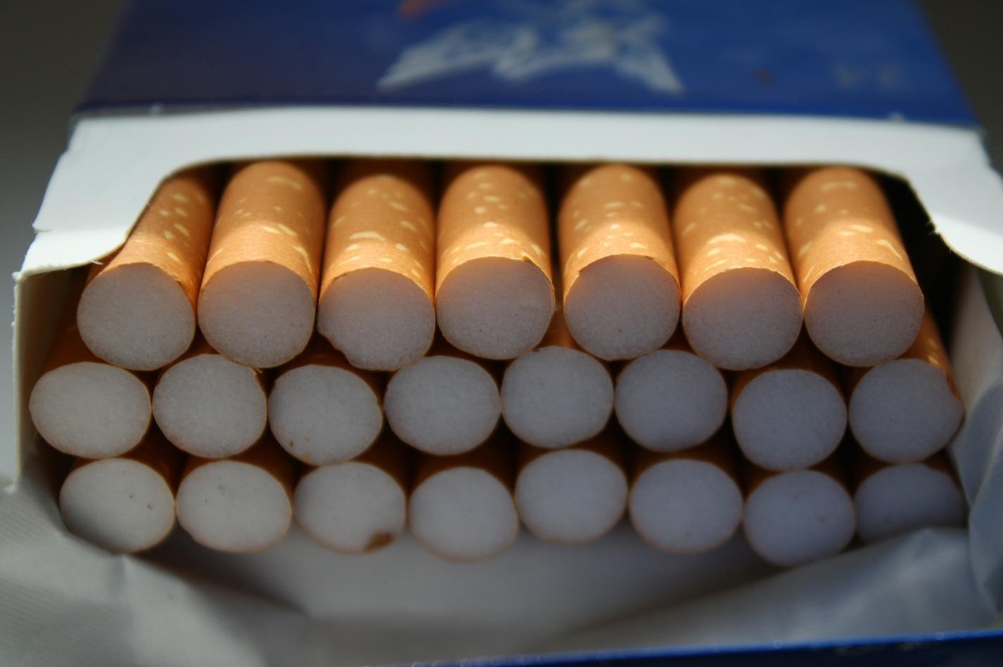 Рост контрафактных сигарет в Новосибирске связывают с близостью Казахстана