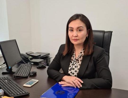 Осужденную за хищения миллионов тенге чиновницу не уволили