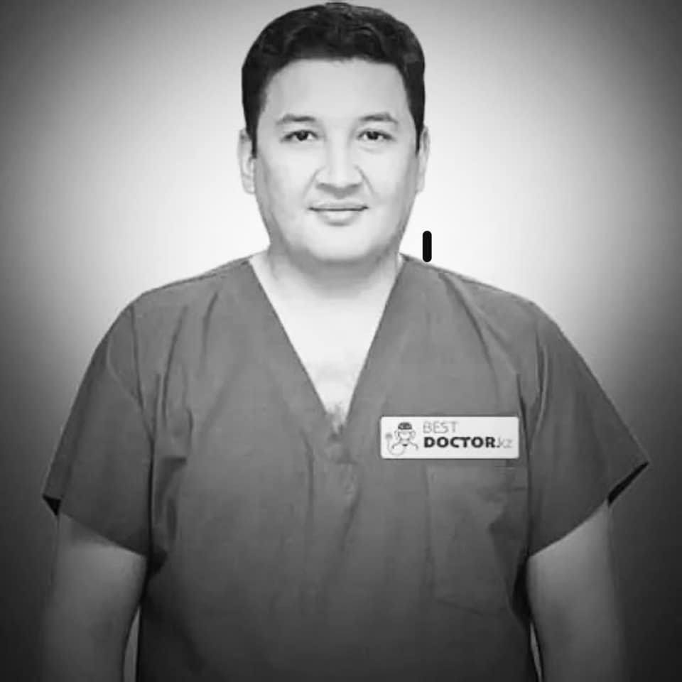Токаев выразил соболезнования родным кардиохирурга Серика Бекбосынова