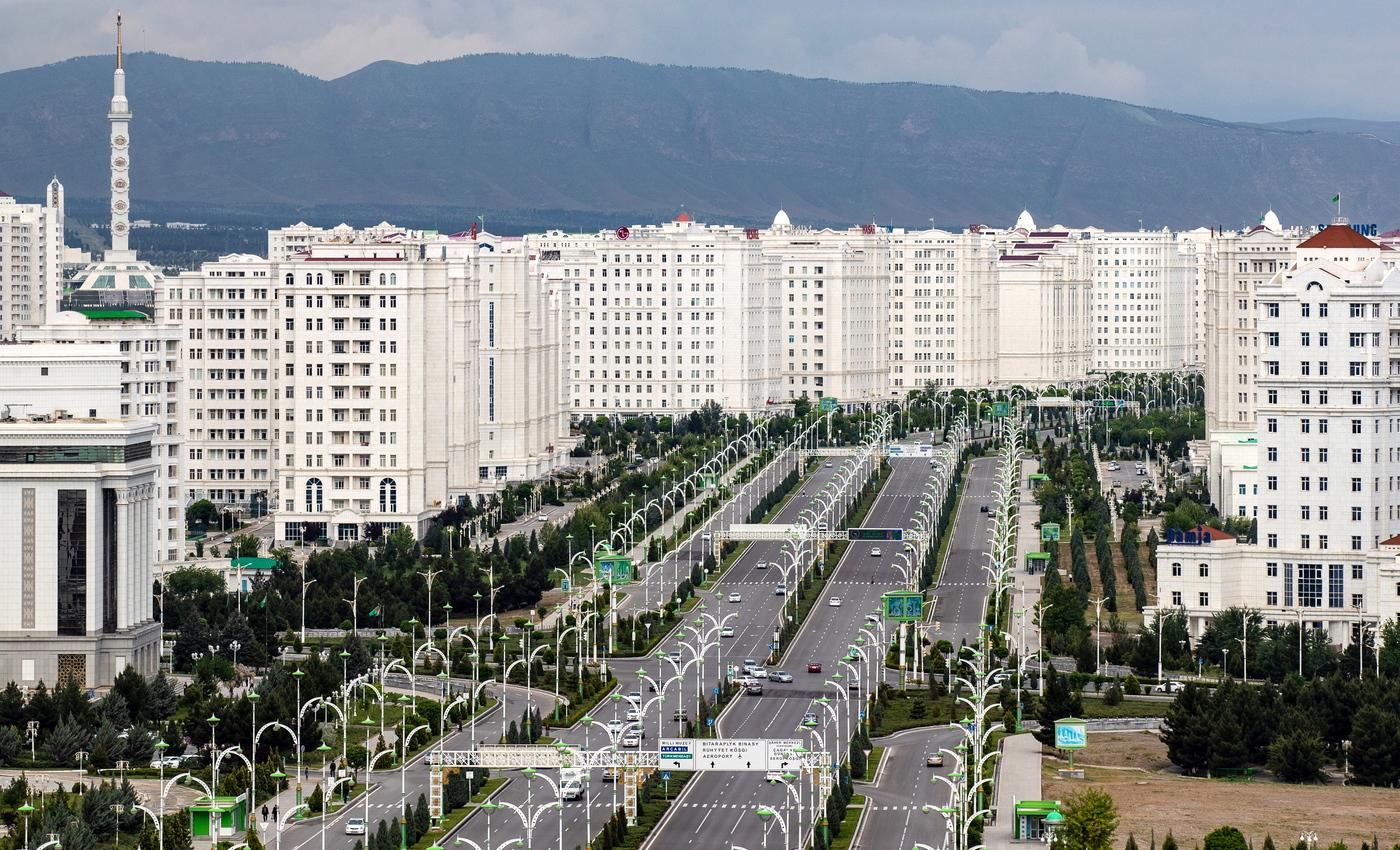Непривитым иностранцам запретили въезд в Туркменистан