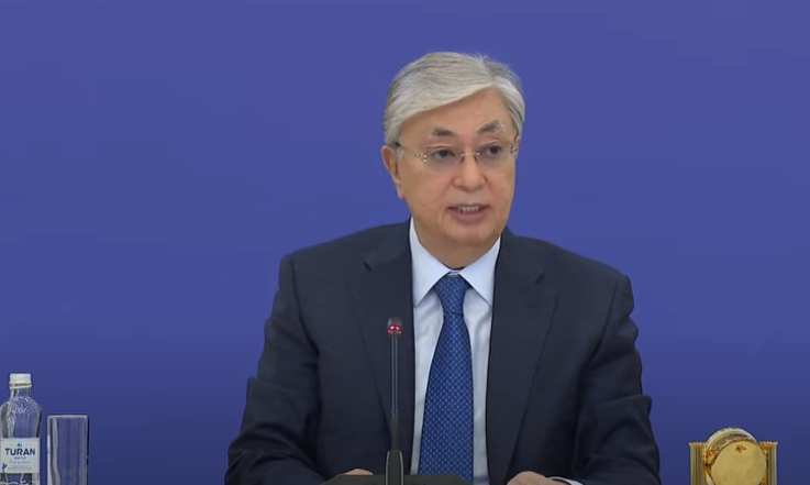 Токаев отреагировал на массовое убийство людей в Алматы