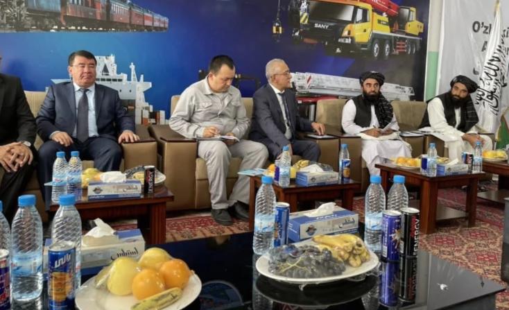 Узбекистан передал талибам еду и медикаменты