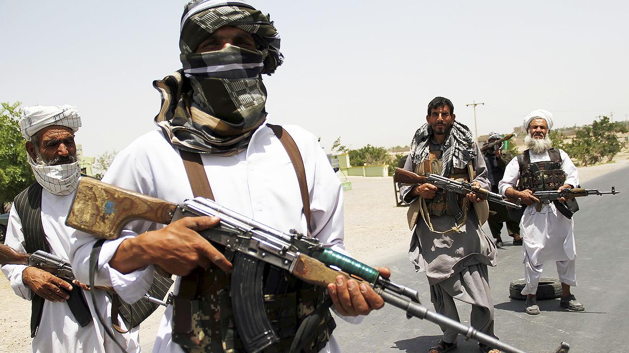 Талибы казнили банду похитителей детей