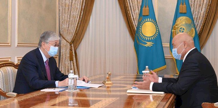Токаев принял акима Туркестанской области