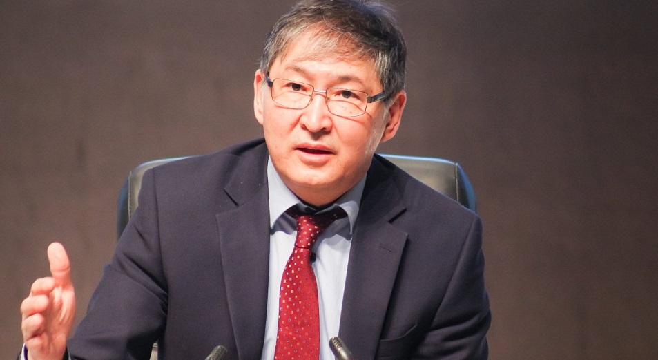МОН предлагает распределять гранты на три года