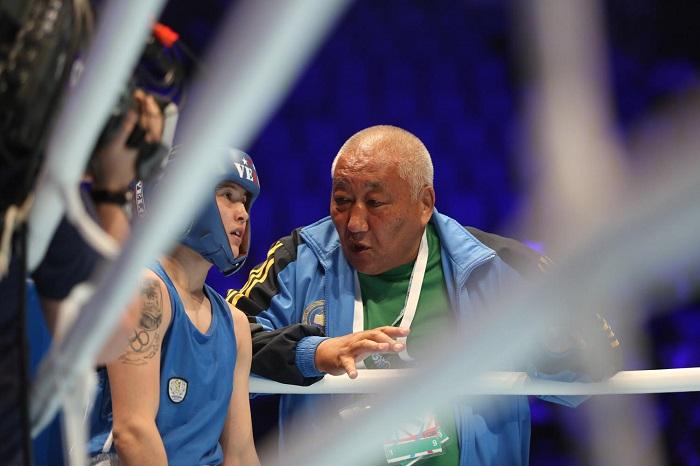 Тренер чемпионки Кызайбай извинился перед Казахстанской федерацией бокса
