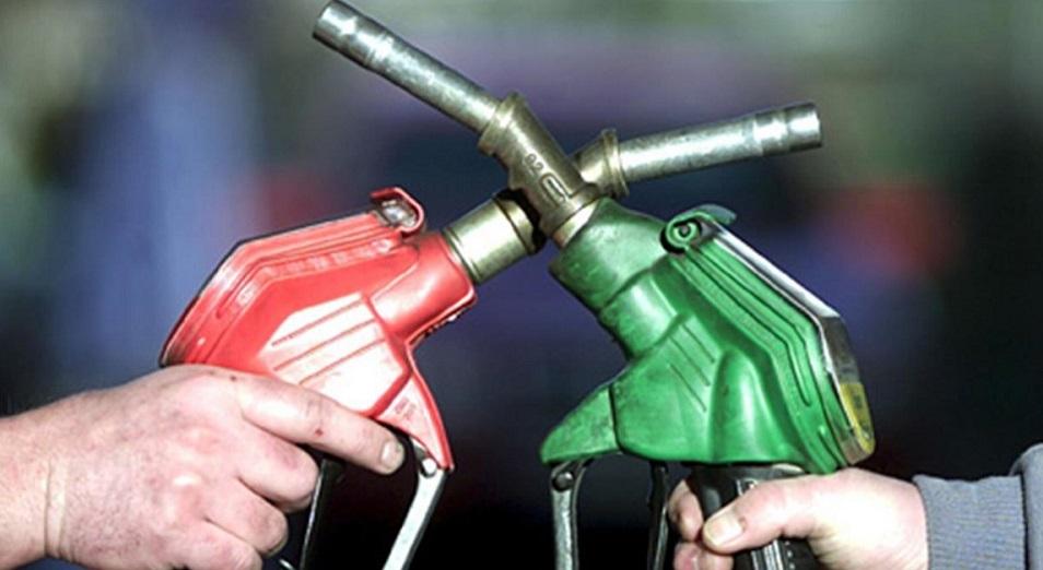 Казахстан резко сокращает импорт нефтепродуктов из России