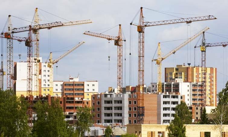 В ВКО частники строят все меньше, государство все больше
