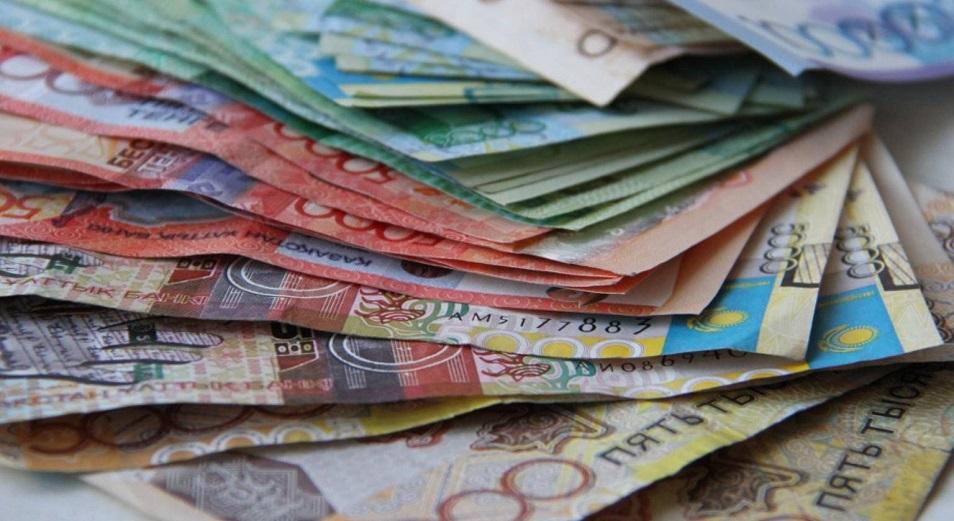 Всемирный банк сэкономил на дешевом тенге